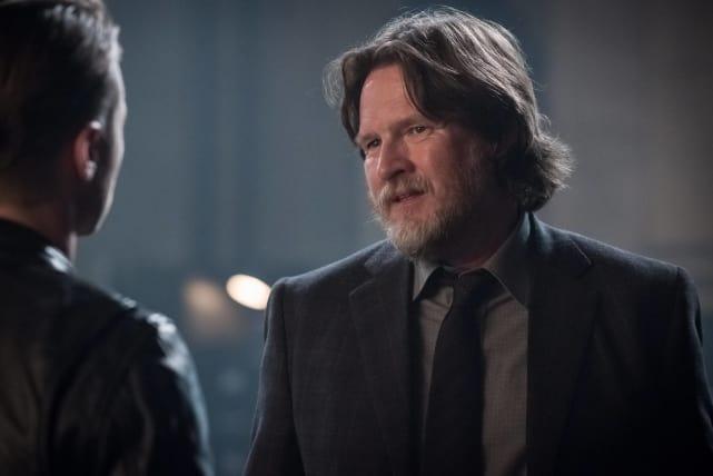 The Guilt Game - Gotham Season 3 Episode 1
