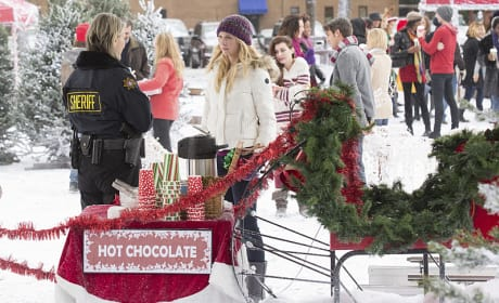 Serving Hot Chocolate - The Vampire Diaries Season 6 Episode 10