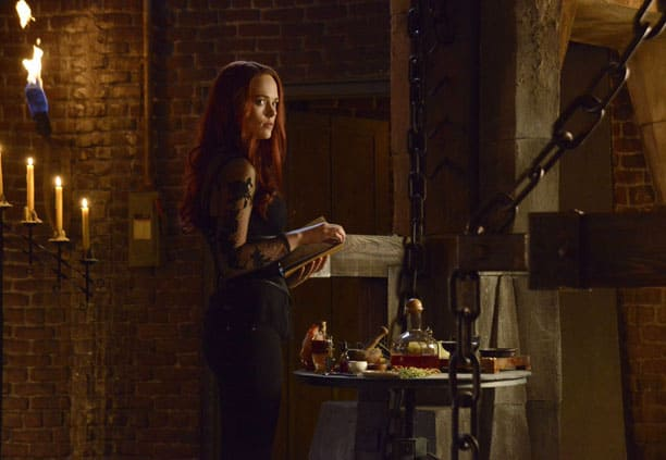 Katrina and Headless Chat - Sleepy Hollow Season 2 Episode 12