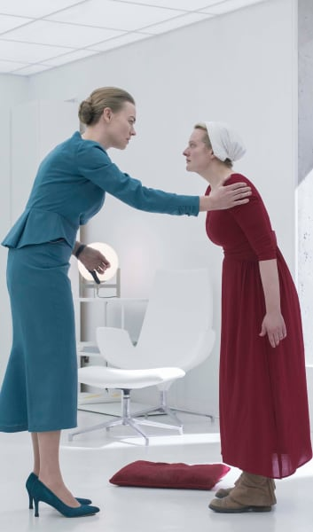Serena And June - The Handmaid's Tale Season 3 Episode 9