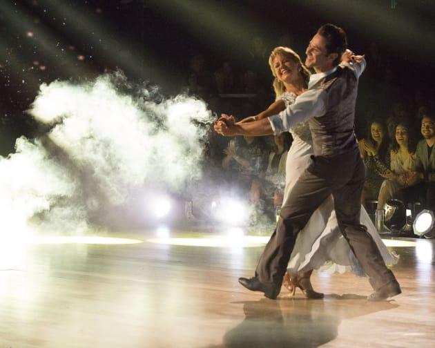 Tonya Harding and Sasha Farber - Dancing With the Stars: Athletes Season 26 Episode 1