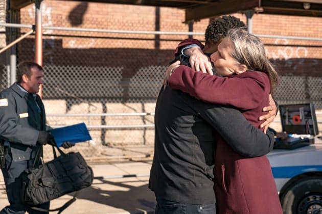 Happy Hugs - Chicago PD Season 5 Episode 12