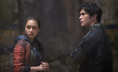 Trust No One  - The 100 Season 2 Episode 9