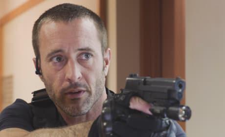 Patient McGarrett - Hawaii Five-0 Season 8 Episode 17
