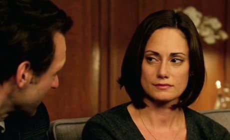 Natalie Brown as Kelly Goodweather - The Strain Season 1 Episode 1