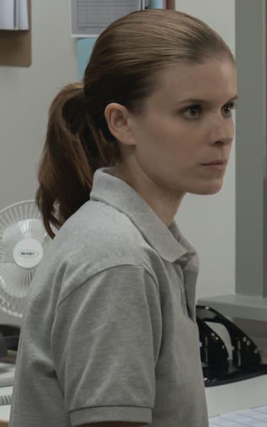 Claire job - A Teacher Season 1 Episode 9