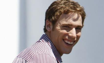 90210 Pics: Cast on Set!