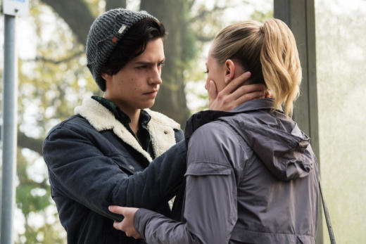 Are They Going To Kiss? - Riverdale Season 1 Episode 6