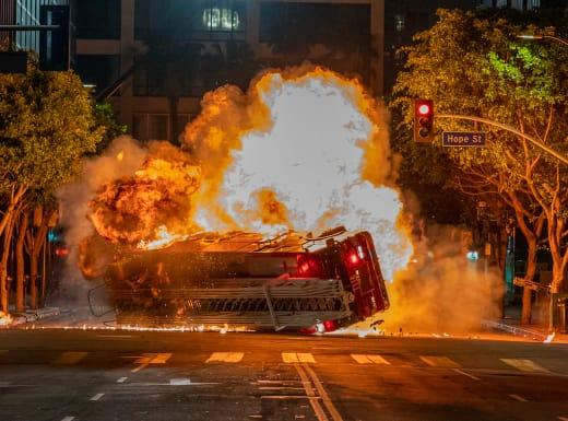 Fiery Crash - 9-1-1 Season 2 Episode 18