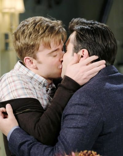 Sonny and Will Reunite - Days of Our Lives