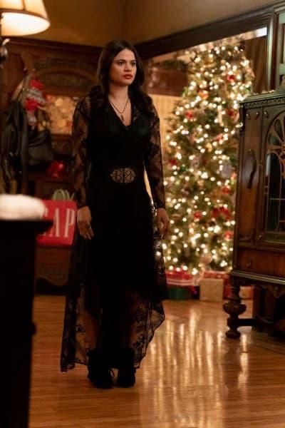 """Mel Vera, Charmed Season 1 Episode 9 """"Jingle Hell"""""""
