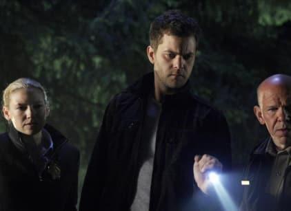 Watch Fringe Season 2 Episode 2 Online