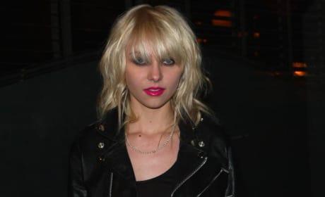 Hot Pink Taylor!
