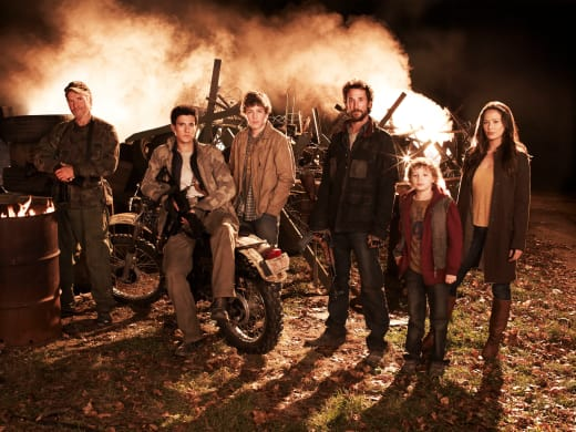 Falling Skies Cast Pic