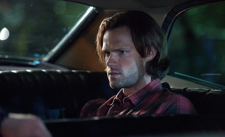 Sam hanging out in the back of the Impala - Supernatural Season 11 Episode 4