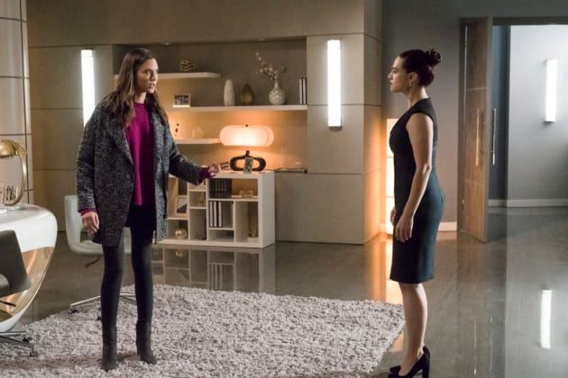 It's Not Me! - Supergirl Season 3 Episode 13