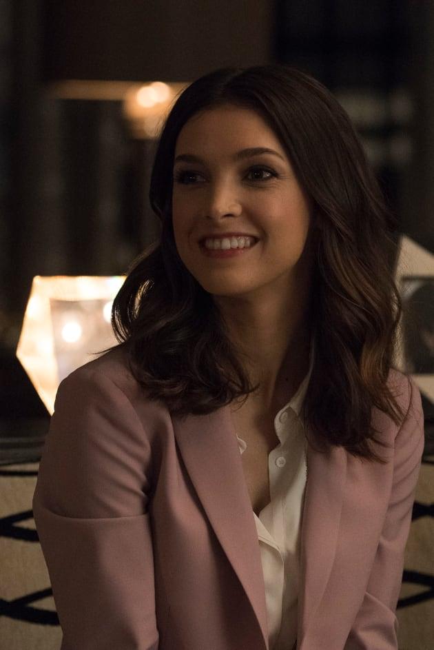 Alicia Smiles Grand Hotel Season 1 Episode 2 Tv Fanatic