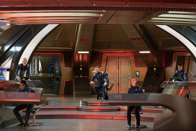 Discovery Bridge Crew - Star Trek: Discovery Season 2 Episode 4