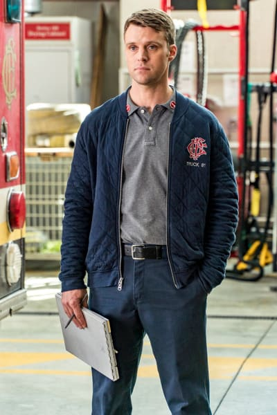 Casey Finds An Old Friend - Chicago Fire