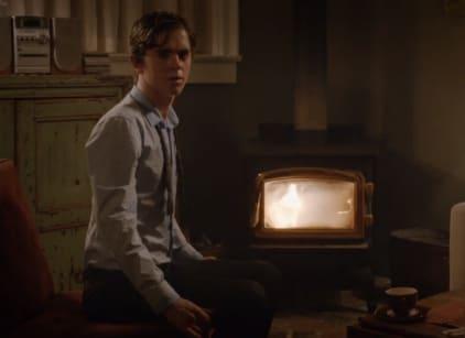 Watch Bates Motel Season 2 Episode 1 Online