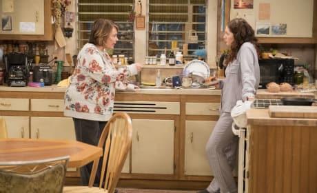 Roseanne And Harris - Roseanne Season 10 Episode 3