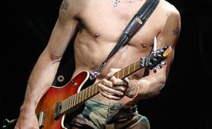 Eddie Van Halen to Play Himself on Two and a Half Men