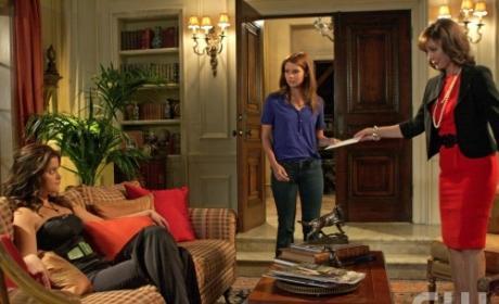 Laurel and Sage call in Megan