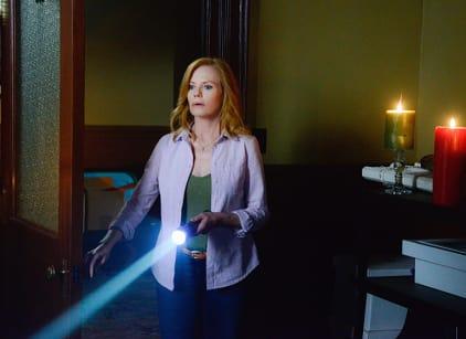 Watch Under the Dome Season 3 Episode 4 Online