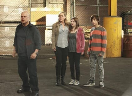Watch No Ordinary Family Season 1 Episode 20 Online