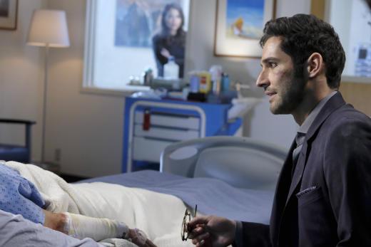 In the Hospital - Lucifer Season 2 Episode 18