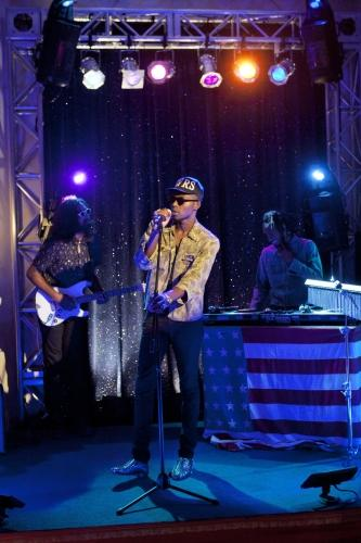 Theophilus London on 90210