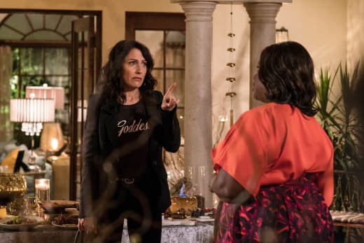 Pointed Finger - Girlfriends' Guide to Divorce Season 3 Episode 1