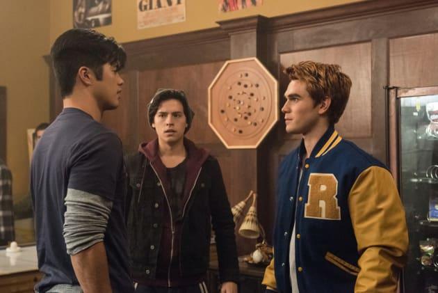 Big Man on Campus - Riverdale Season 1 Episode 2