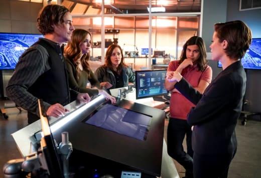 Team Flash Teams Up With Argus - The Flash Season 5 Episode 15