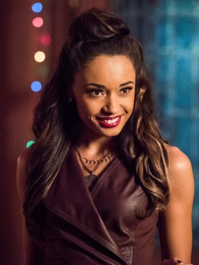 Astra Back to Her Old Ways? - DC's Legends of Tomorrow Season 5 Episode 11