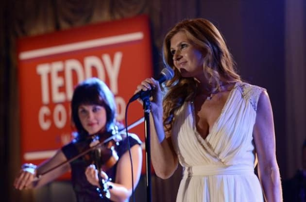 Rayna Campaigns for Teddy