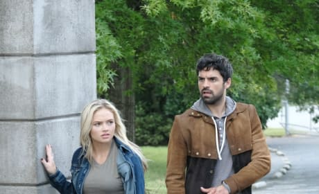 Marcos and Lauren - The Gifted Season 2 Episode 4