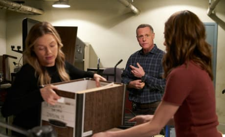 Clear It Out - Chicago PD Season 5 Episode 22