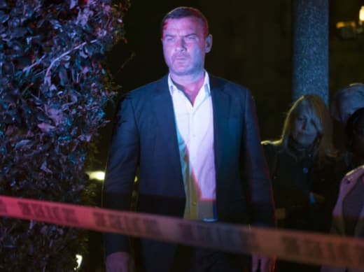Ray Is On The Scene - Ray Donovan