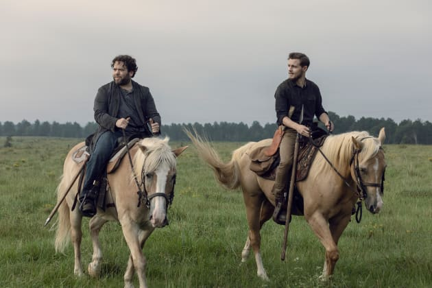 A Helping Hand - The Walking Dead Season 9 Episode 9