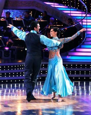 Tony Dovolani and Melissa Rycroft Photo