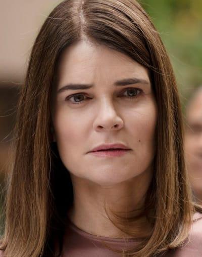 Stephanie Novak - Tall  - Pearson Season 1 Episode 8