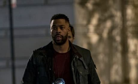 Atwater On Scene - Chicago PD Season 4 Episode 9