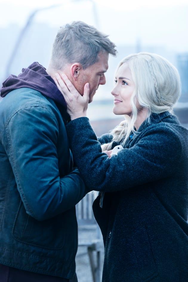 Hank and Dawn Are In Love - Titans Season 1 Episode 2