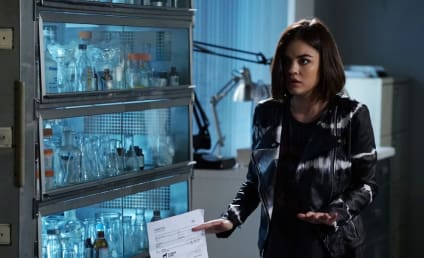 Pretty Little Liars Picture Preview: What Does Mona Do?!?