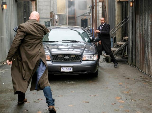 A Gunfight - The Flash Season 4 Episode 12