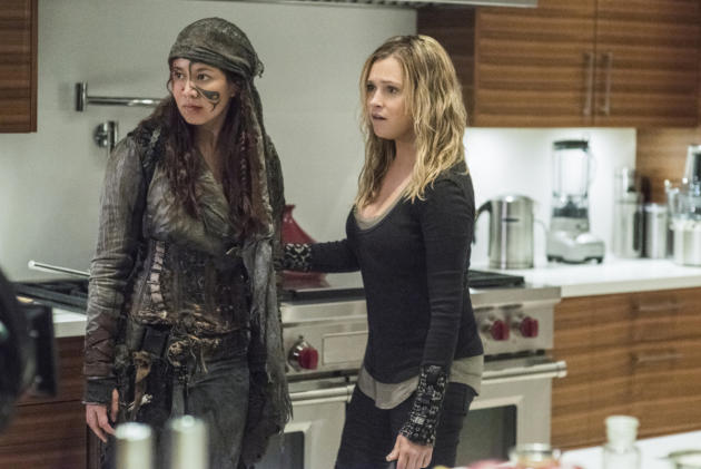 Clarke and Emori — The 100 Season 4 Episode 7