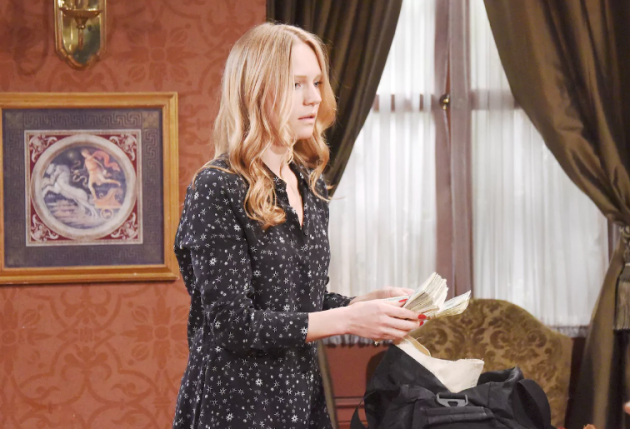 Abigail Finds Dario's Cash - Days of Our Lives
