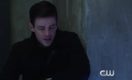The Flash Promo: Barry and Captain Cold vs. King Shark