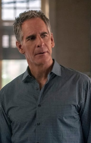 Walk on the Dark Side - NCIS: New Orleans Season 5 Episode 15